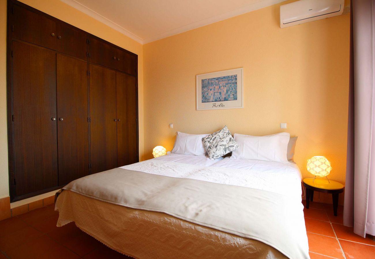 Apartment in Estombar - Duplex apartment, private terrace and wonderful panoramic vines view