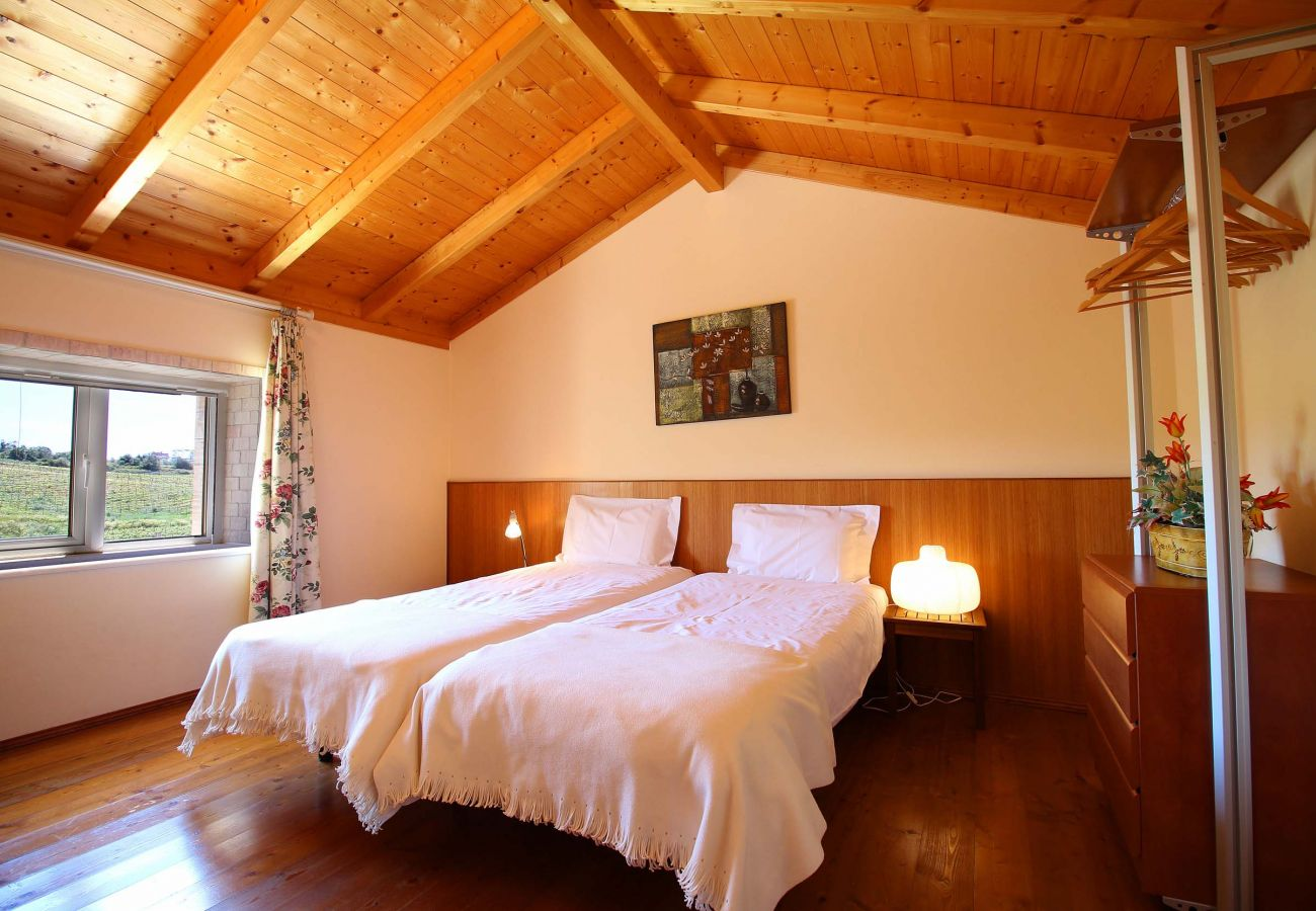 Cottage in Estombar - Cosy cottage, private pool, kitchen and barbecue, wonderful panoramic view