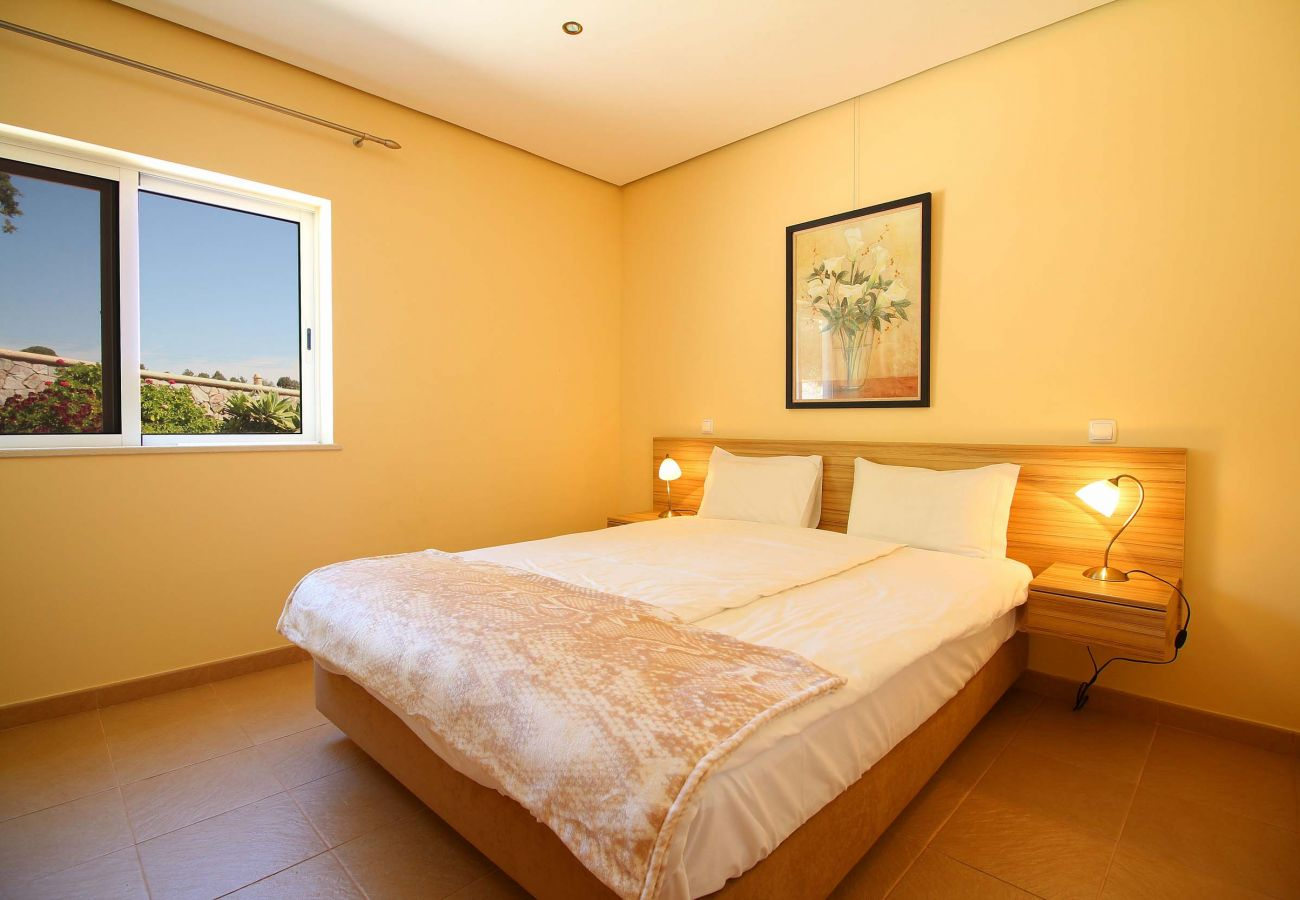 Apartment in Estombar - Fully equipped two-bedroom apartment, 2 minutes away from an amazing water park