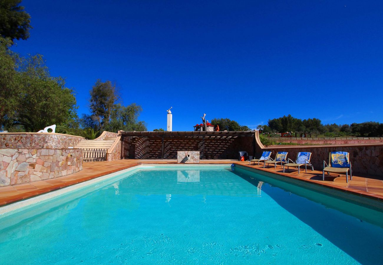 Apartment in Estombar - Fully equipped apartment, close to award-winning beaches
